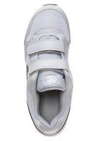 Nike Sportswear - MD RUNNER 2 BPV - Trainers - grey - 1