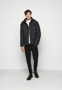 Blauer - GIUBBINI CORTI IMBOTTITO OVAT - Winter jacket - dark navy - 1