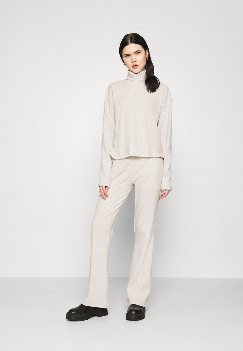 Nly by Nelly - MY COZY SET - Trousers - beige mélange