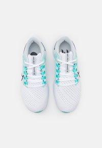 Nike Performance - AIR ZOOM PEGASUS 38 - Hardloopschoenen neutraal - white/oil grey/pure platinum/aurora green/light dew - 3