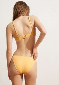 OYSHO - CLASSIC - Bikini bottoms - yellow - 2