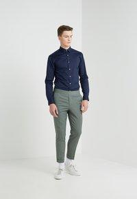 Filippa K - TERRY CROPPED PANTS - Trousers - platoone - 1