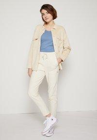 TOM TAILOR DENIM - SHIRT JACKET - Summer jacket - blazed beige - 3