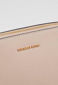 MICHAEL Michael Kors - Umhängetasche - soft pink - 6