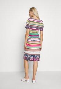 Ivko - STRIPED DRESS - Strikket kjole - white - 2