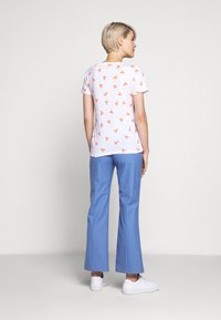 J.CREW - ALLOVER LOBSTER TEE - Print T-shirt - ivory bright/persimmon - 2