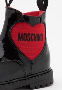 MOSCHINO - Kotníkové boty - black - 5