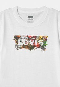 Levi's® - GRAPHIC  - Print T-shirt - white - 2