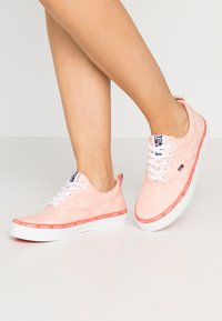 Tommy Jeans - LACE UP - Zapatillas - sweet peach - 0