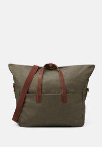 Pier One - UNISEX - Weekend bag - olive - 3