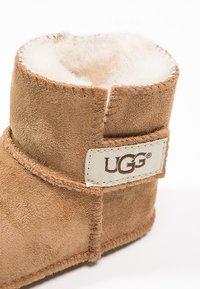 UGG - ERIN - First shoes - chestnut - 5