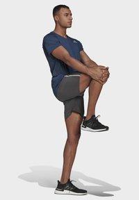 adidas Performance - RUNNER T-SHIRT - Print T-shirt - blue - 1
