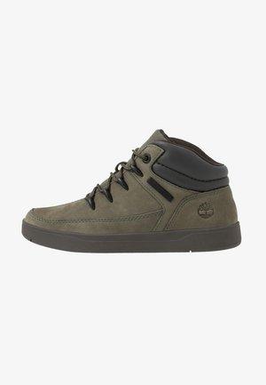 DAVIS SQUARE - Höga sneakers - dark green