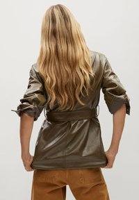 Mango - DORIS - Faux leather jacket - braun - 2