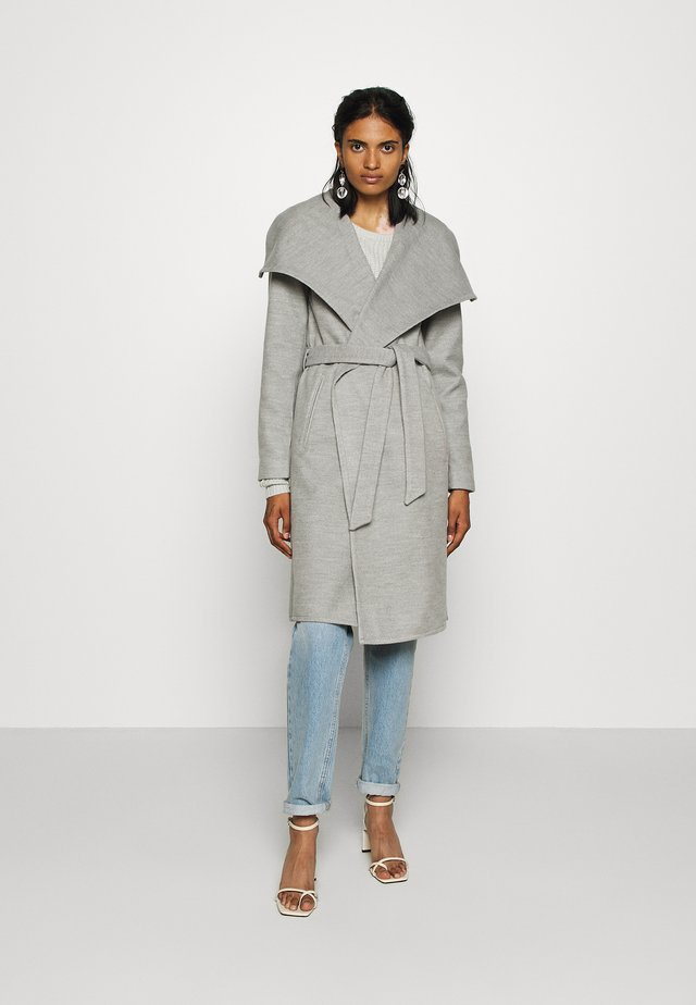 ONLNEWPHOEBE DRAPY COAT - Zimní kabát - light grey melange