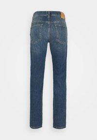 GANT - Straight leg jeans - mid blue - 1
