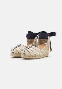 Castañer - CICI - Sandály na platformě - ivory - 2