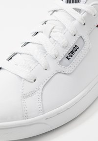 K-SWISS - CLEAN COURT - Trainers - white/black - 5