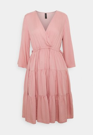 YASJERA 3/4 DRESS - Day dress - blush