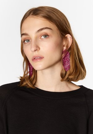 Earrings - fuchsia