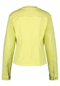 Gerry Weber - MIT FRANSENKANTE - Denim jacket - light lime - 4