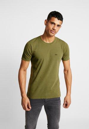CREW TEE - Basic T-shirt - capulet olive