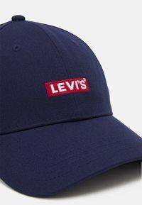 Levi's® - BABY TAB LOGO UNISEX - Cap - navy blue - 3