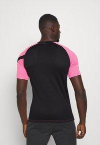 Nike Performance - DRY ACADEMY TOP - T-shirt print - hyper pink/black/white - 2