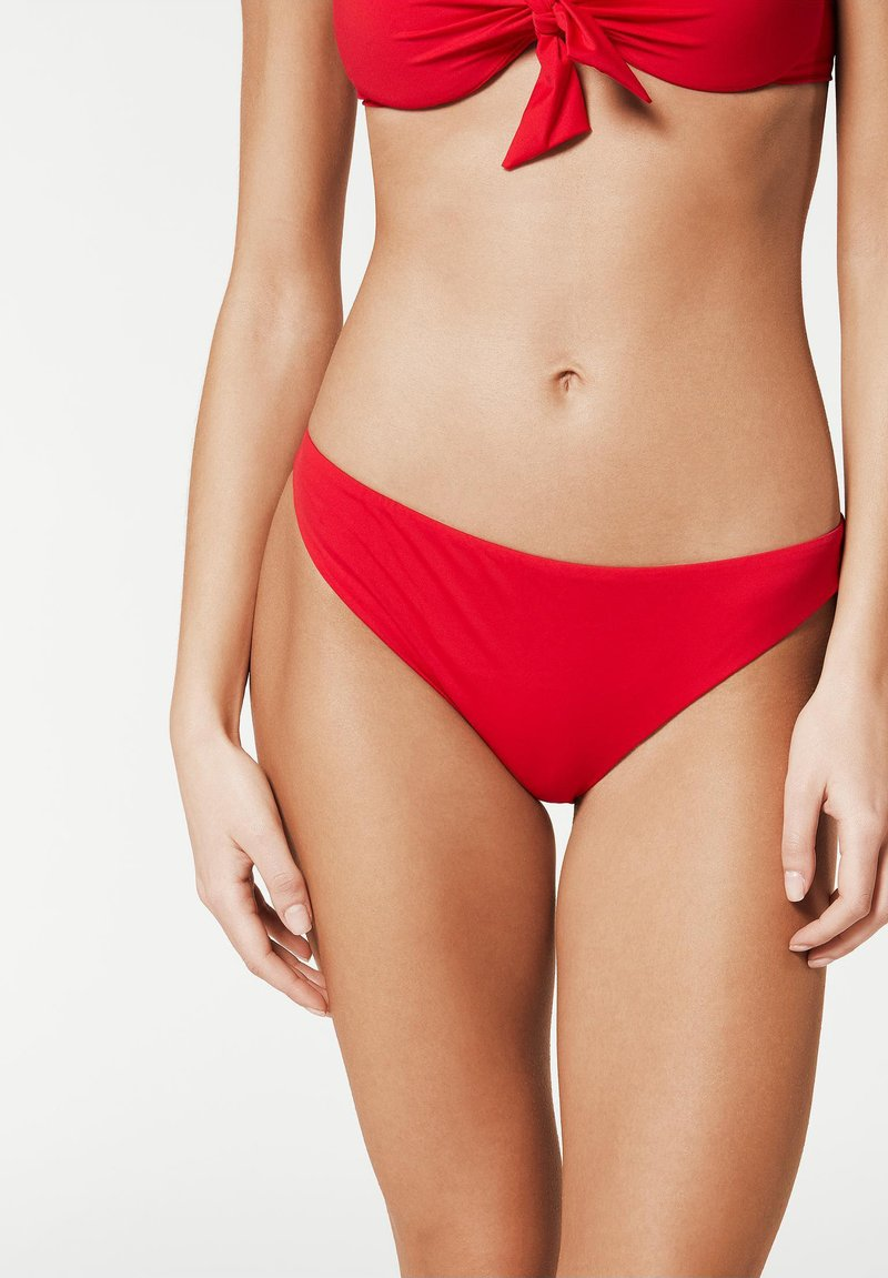 Calzedonia - MIT UNSICHTBAREN NÄHTEN INDONESIA - Bikini bottoms - hawaiian red