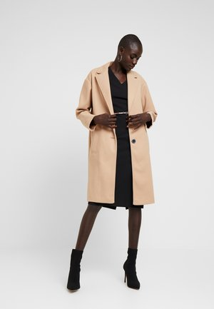 UNLINED CROMBE - Classic coat - camel