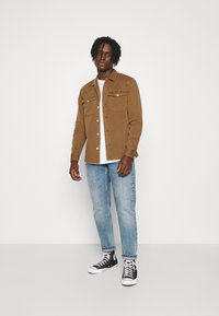 AllSaints - SPOTTER  - Camisa - clove brown - 1