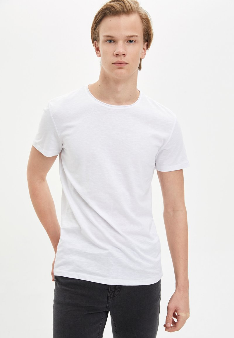 DeFacto - Basic T-shirt - white