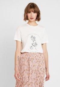 Vero Moda - VMKALOPSIA - Print T-shirt - snow white - 0