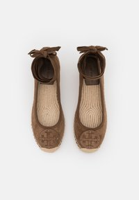 Tory Burch - MINNIE WEDGE  - Lace-up heels - river rock - 4