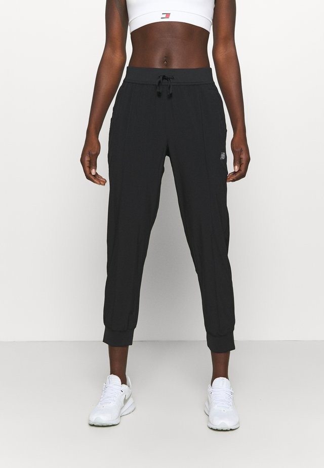 ACCELERATE PANT - Jogginghose - black