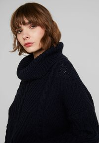 Superdry - TORI CABLE CAPE - Jumper - rinse navy - 4
