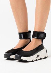 Diesel - HERBY S-HERBY BA W - Ankle cuff ballet pumps - black - 0