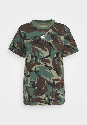 CAMO - Camiseta estampada - legend green/dark brown/white