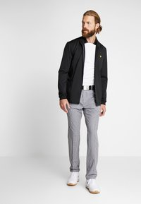 Lyle & Scott - TECH FULL ZIP MIDLAYER - Fleece jacket - true black - 1