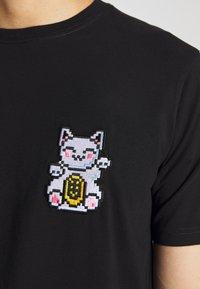 Bricktown - LUCKYCAT - T-shirt print - black - 5