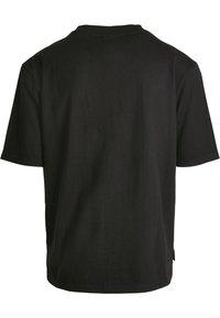 Urban Classics - HEAVY BOXY POCKET TEE - T-shirt - bas - black - 8