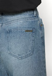 MICHAEL Michael Kors - PEGGD LEG - Straight leg jeans - blue denim - 4