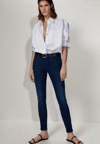 Massimo Dutti - MIT MITTELHOHEM BUND - Jeans Skinny Fit - blue - 4