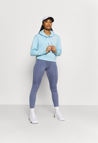 Champion - HOODED - Sweatshirt - light blue - 1