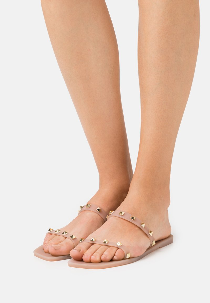 Colors of California - STUDS - Mules - light pink