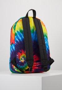Herschel - SETTLEMENT - Ryggsekk - rainbow tie dye - 3