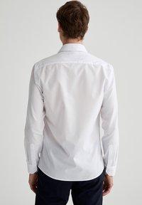 DeFacto - Formal shirt - white - 2