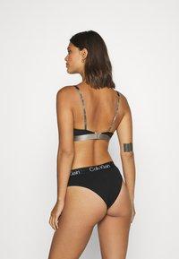 Calvin Klein Underwear - MODERN STRUCTURE HIGH LEG BRAZILIAN - Slip - black - 2