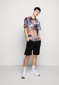 Raeburn - HABOTAI MARS - T-shirt con stampa - multi-coloured - 1