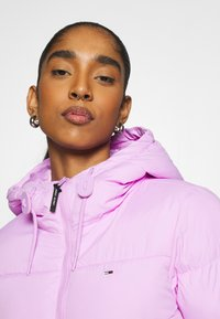 Tommy Jeans - CROPPED PUFFER - Winter jacket - fresh orchid - 3